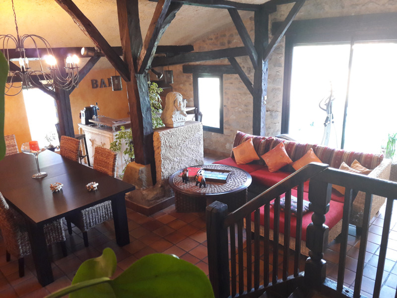 French property for sale in Tonneins, Lot et Garonne - €397,500 - photo 4