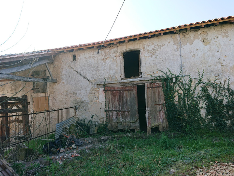 French property for sale in Mornac, Charente - €108,000 - photo 7