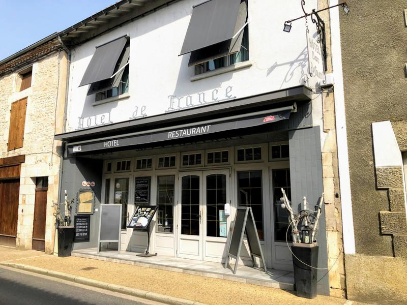 French property for sale in Saint-Pardoux-la-Rivière, Dordogne - €530,000 - photo 2