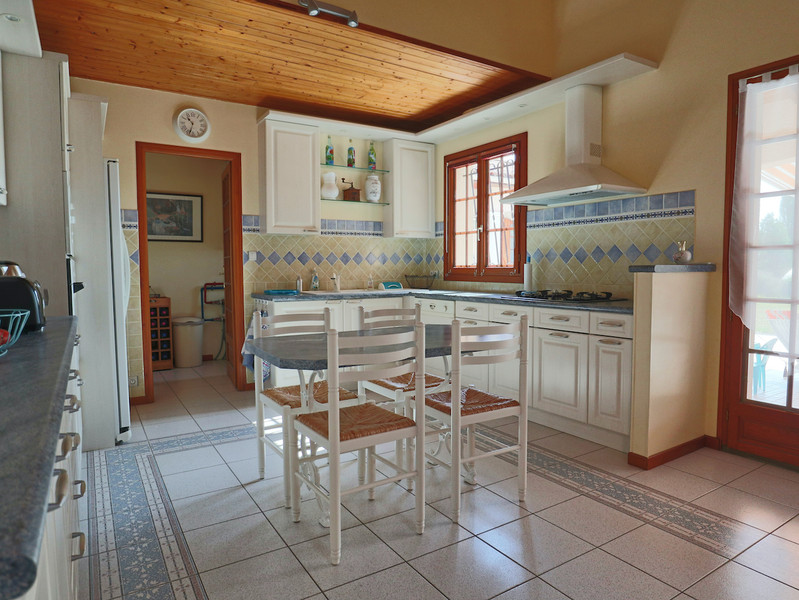 French property for sale in Saint-Aulaye, Dordogne - €429,300 - photo 3