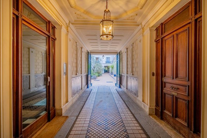 French property for sale in Paris 8e Arrondissement, Paris - €1,220,000 - photo 8