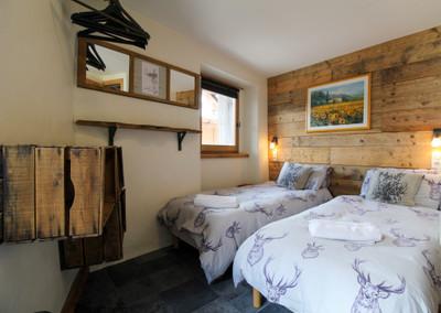 Maison magnifiquement rénovée,  4 chambres avec salles d'eau, au cœur du Praz, Courchevel.