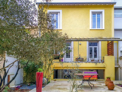 Bordeaux Lescure, 240m² Art Deco home with 5 bedrooms, 2 garages and garden