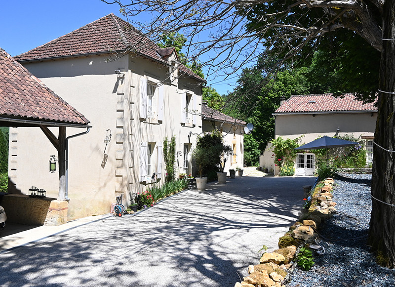 French property for sale in Pays de Belvès, Dordogne - €699,000 - photo 2
