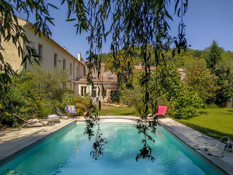 French property for sale in Floirac, Gironde - €2,205,000 - photo 2