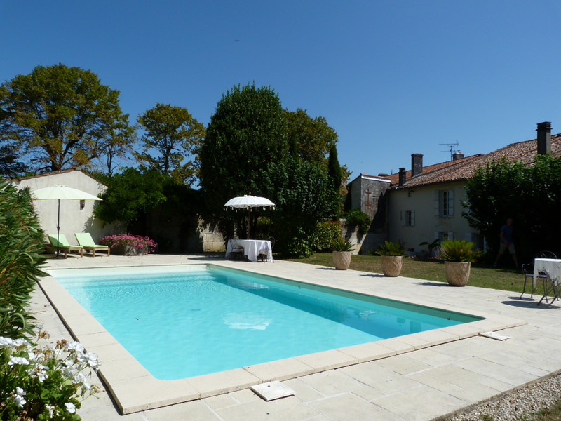 French property for sale in Archiac, Charente-Maritime - €439,900 - photo 2