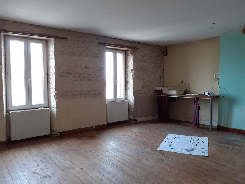 French property for sale in Meux, Charente Maritime - €194,400 - photo 7