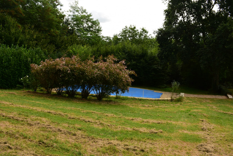 French property for sale in Douville, Dordogne - €527,500 - photo 8