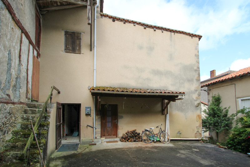 French property for sale in Confolens, Charente - €41,000 - photo 2