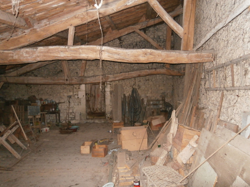 French property for sale in Chalais, Charente - €25,000 - photo 2