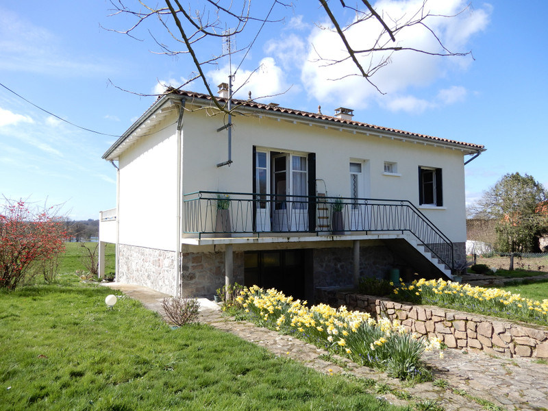 French property for sale in Pressignac, Charente - €186,300 - photo 8