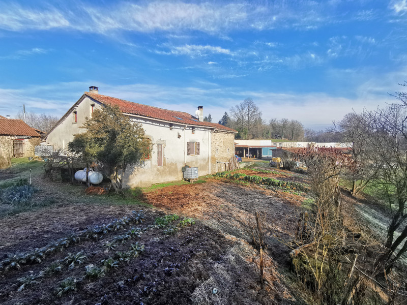 French property for sale in Nontron, Dordogne - €402,800 - photo 7