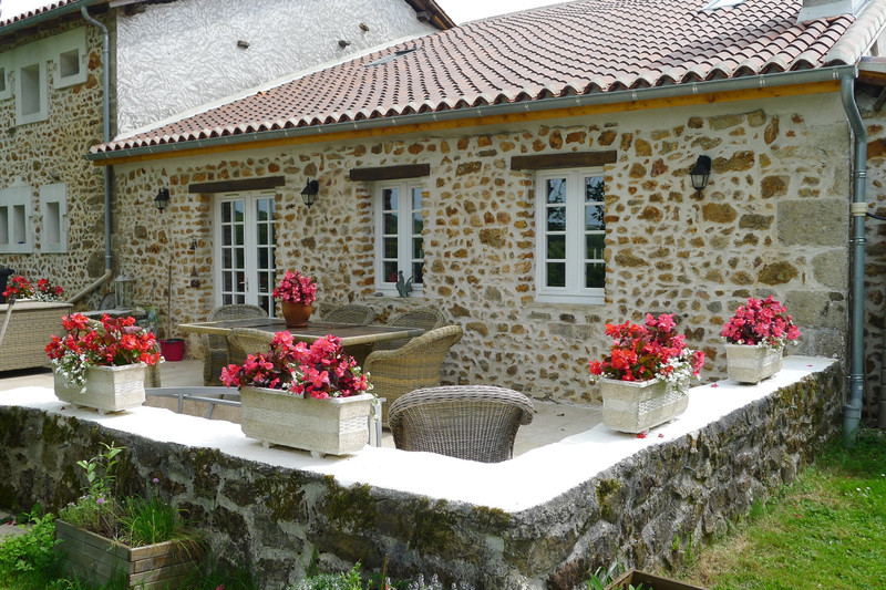 French property for sale in Saint-Sornin, Charente - €315,650 - photo 8