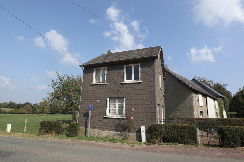 French property for sale in Saint-Cyr-du-Bailleul, Manche - €23,600 - photo 5