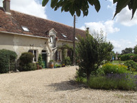 French property, houses and homes for sale inChâtillon-sur-IndreIndre Centre