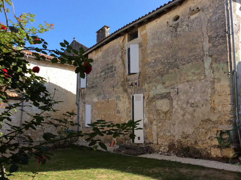 French property for sale in Monsec, Dordogne - €339,200 - photo 2