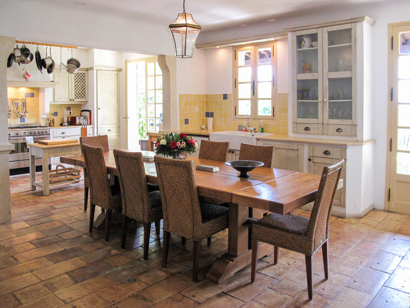 French property for sale in Uzès, Gard - €595,000 - photo 4