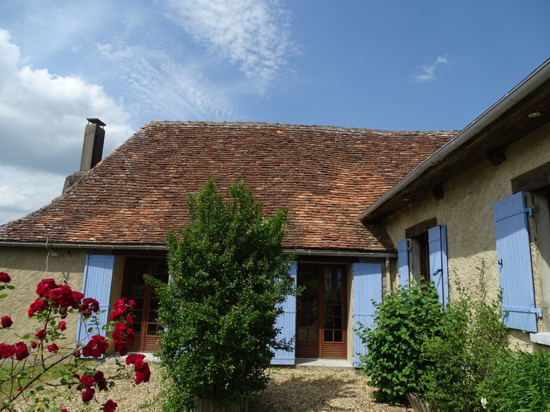 French property for sale in Génis, Dordogne - €135,000 - photo 1