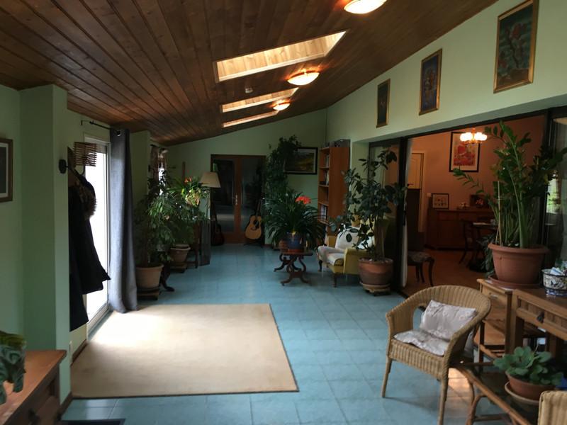 Maison à vendre à Saint-Pierre-du-Palais, Charente-Maritime - 224 700 € - photo 4