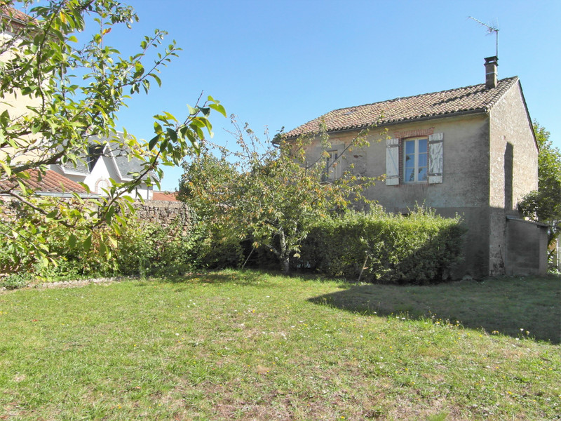 French property for sale in Nouic, Haute-Vienne - €61,600 - photo 2