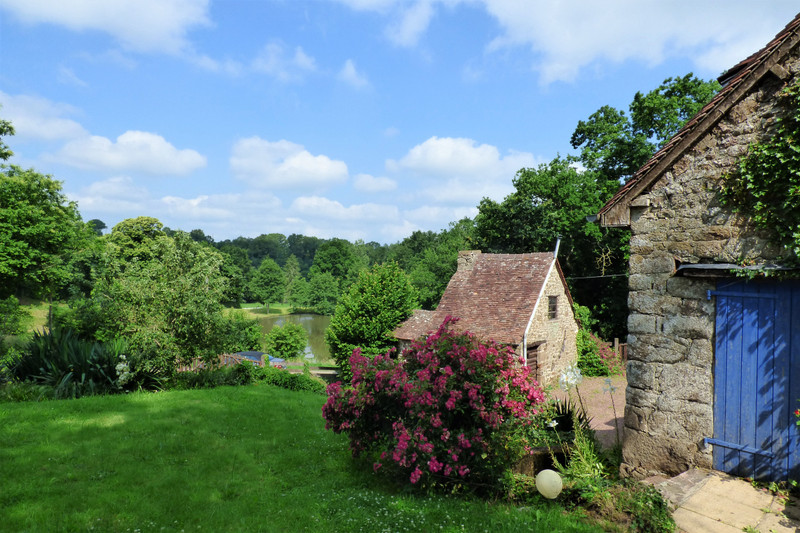French property for sale in Ceaucé, Orne - €157,000 - photo 2