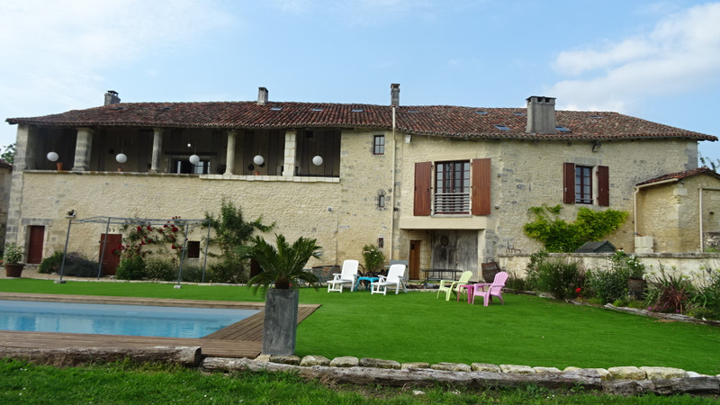 French property for sale in Champagne-et-Fontaine, Dordogne - €848,000 - photo 2