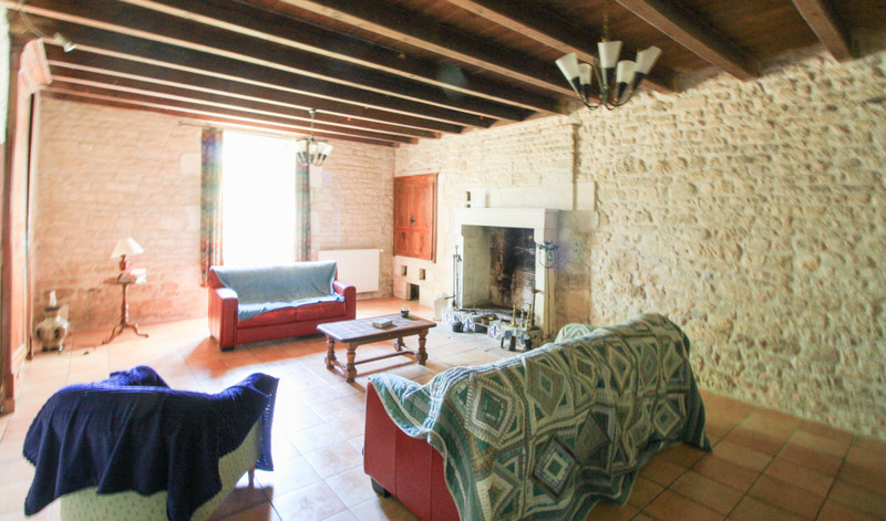 French property for sale in Contré, Charente-Maritime - €318,000 - photo 6