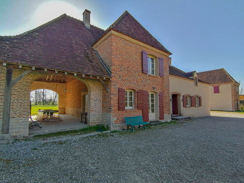 French property for sale in Sens-sur-Seille, Saone et Loire - €560,000 - photo 2