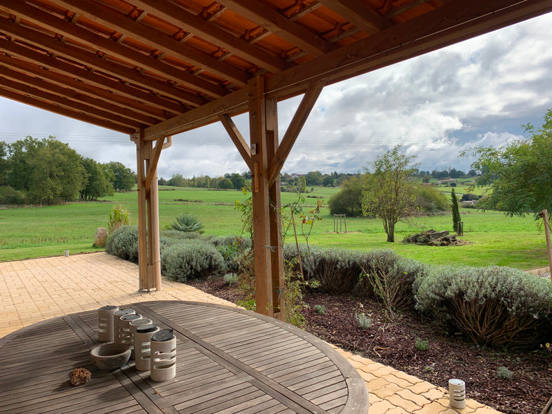 French property for sale in Brossac, Charente - €397,500 - photo 2