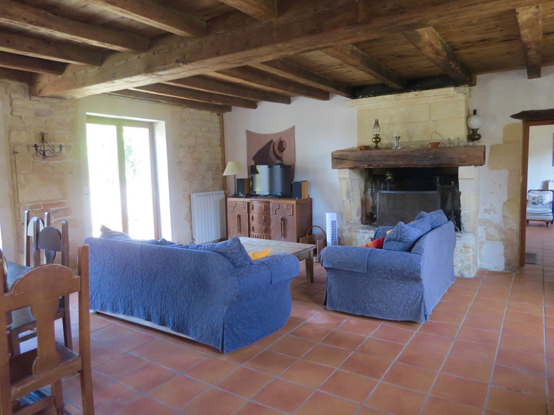 French property for sale in Saint-Savinien, Charente-Maritime - €551,200 - photo 5