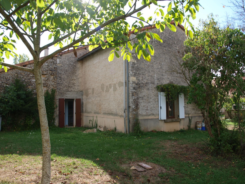 French property for sale in Blanzay, Vienne - €93,500 - photo 3
