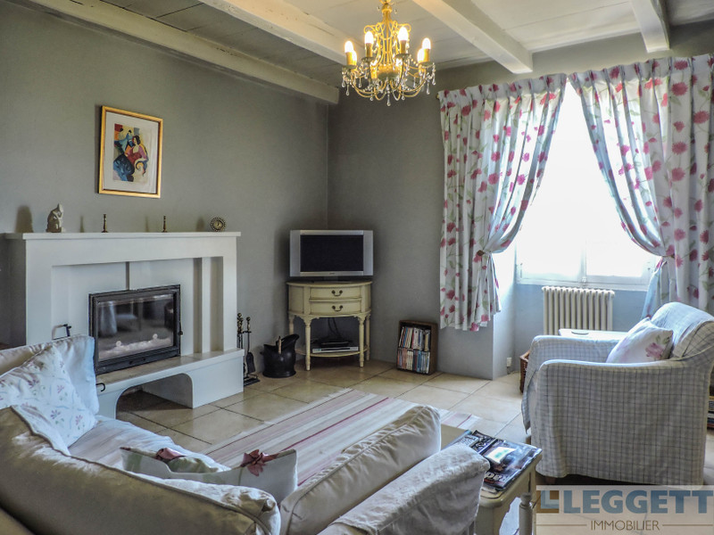 French property for sale in Chatain, Vienne - €199,800 - photo 3