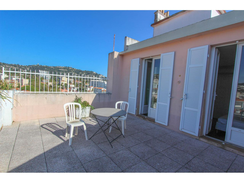 French property for sale in Cannes, Alpes-Maritimes - €477,000 - photo 3