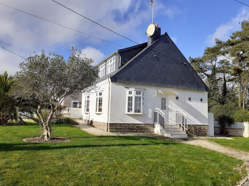 French property for sale in Guémené-sur-Scorff, Morbihan - €167,400 - photo 10