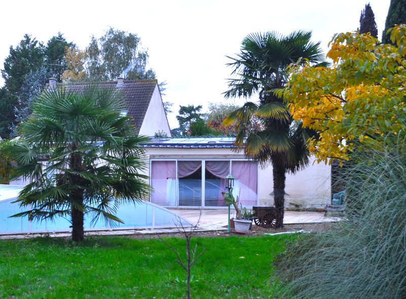 French property for sale in La Chapelle-aux-Choux, Sarthe - €194,400 - photo 6