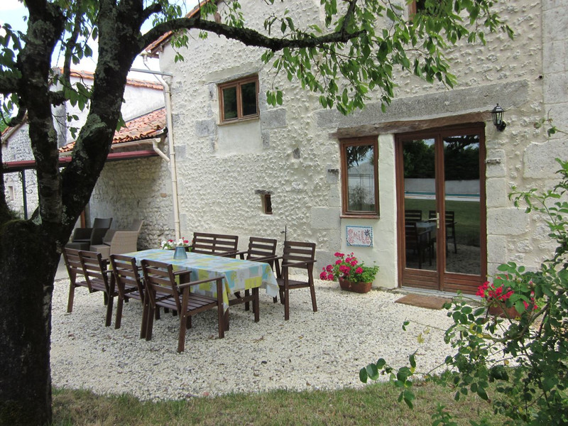 French property for sale in Les Essards, Charente - €599,000 - photo 4