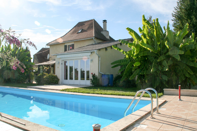 French property for sale in Saint-Jory-de-Chalais, Dordogne - €235,400 - photo 2