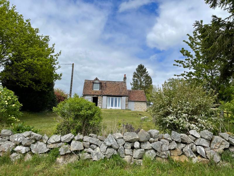 Maison à vendre à Domfront en Poiraie, Orne - 104 500 € - photo 2