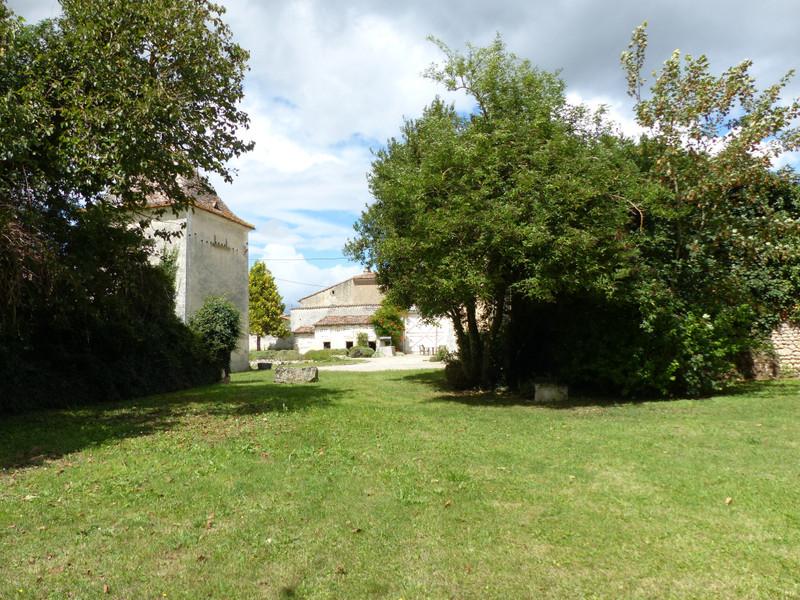 French property for sale in Plassac-Rouffiac, Charente - €318,000 - photo 10