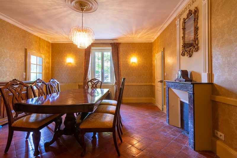 French property for sale in Saint-Martin-de-Sanzay, Deux-Sèvres - €415,520 - photo 4