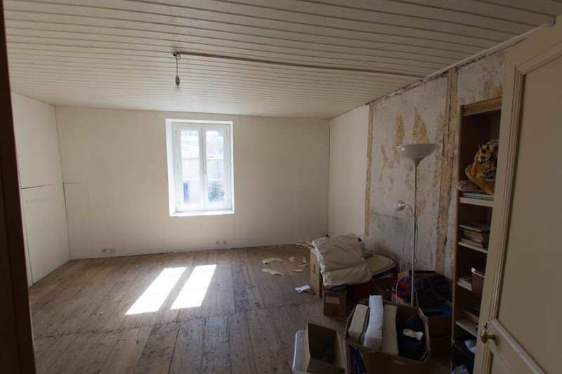 French property for sale in Luchapt, Vienne - €167,400 - photo 7