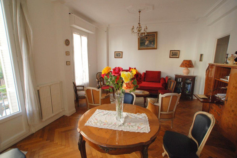 French property for sale in Nice, Alpes-Maritimes - €299,000 - photo 2
