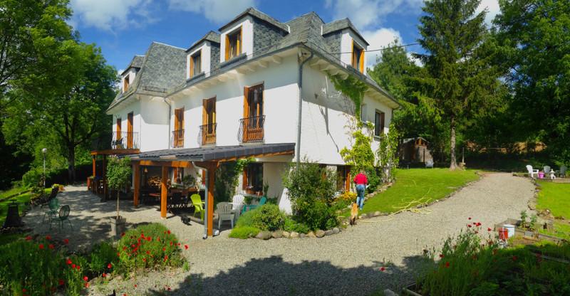 Commerce à vendre à Riom-ès-Montagnes, Cantal - 424 000 € - photo 2