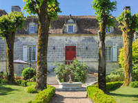 chateau for sale in PérigueuxDordogne Aquitaine