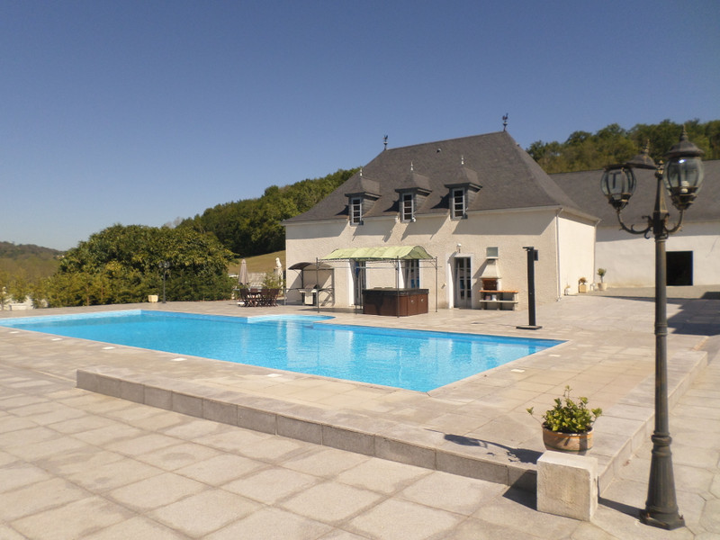 French property for sale in Jurançon, Pyrénées-Atlantiques - €1,100,000 - photo 3
