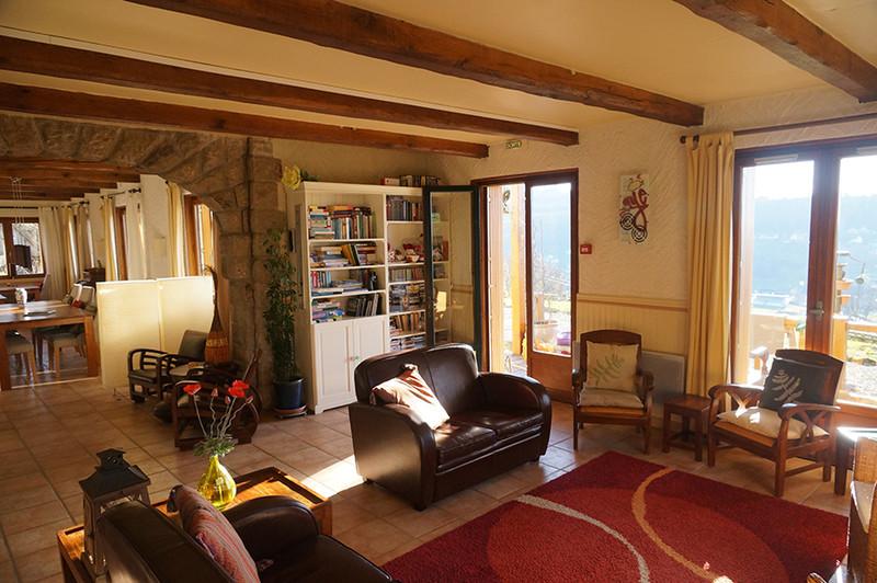 Commerce à vendre à Riom-ès-Montagnes, Cantal - 424 000 € - photo 6