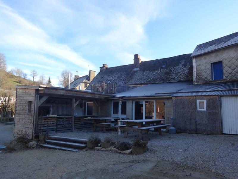 French property for sale in Saint-Bonnet-de-Condat, Cantal - €286,200 - photo 2