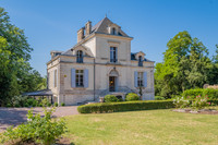 chateau for sale in NiortDeux_Sevres Poitou_Charentes