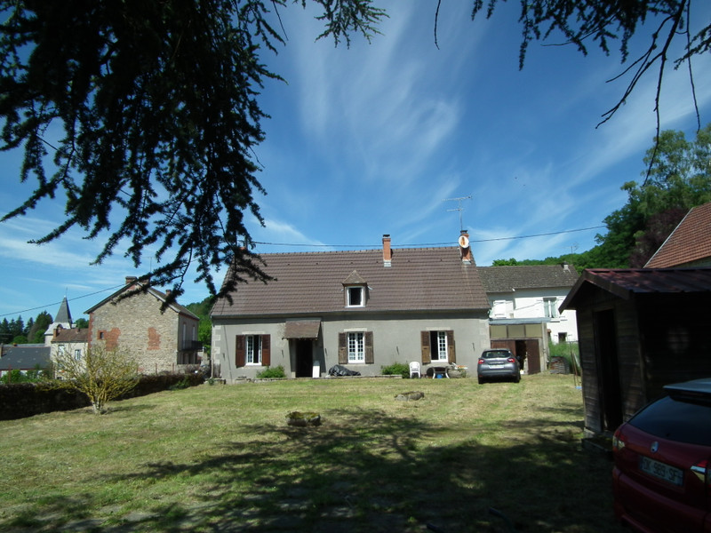 French property for sale in Aubusson, Creuse - €104,500 - photo 3