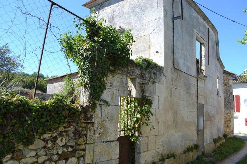 French property for sale in Dignac, Charente - €61,600 - photo 9